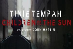 Tinie Tempah - Children Of The Sun ásamt John Martin